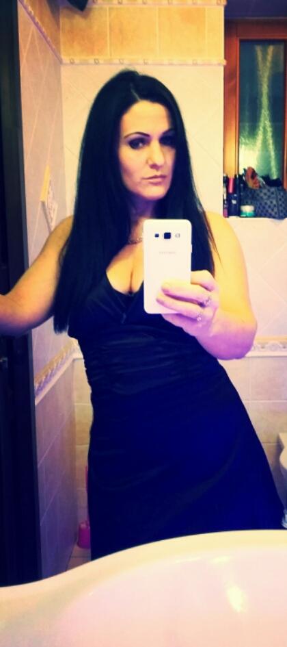 - Profilképek